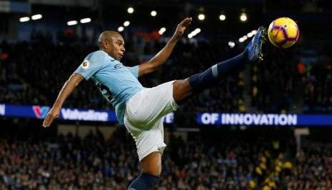 Mahrez Keceplosan Menyebut Fernandinho Akan Keluar Manchester City