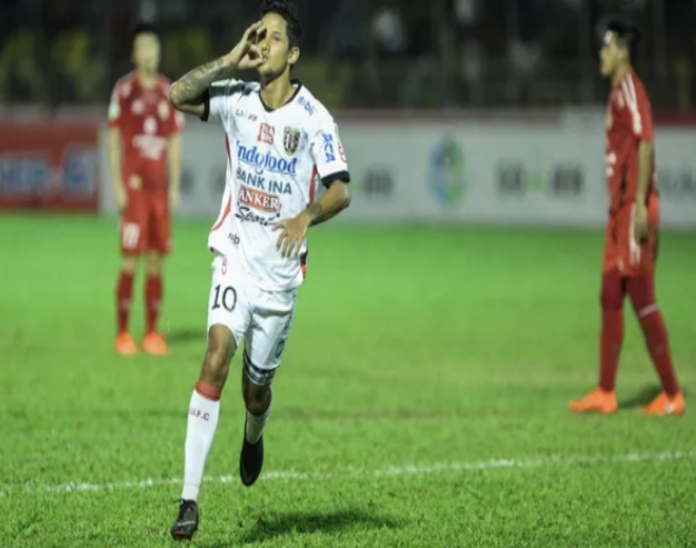 Irfan Bachdim Masuk Persib Bandung Ataukah Madura United?