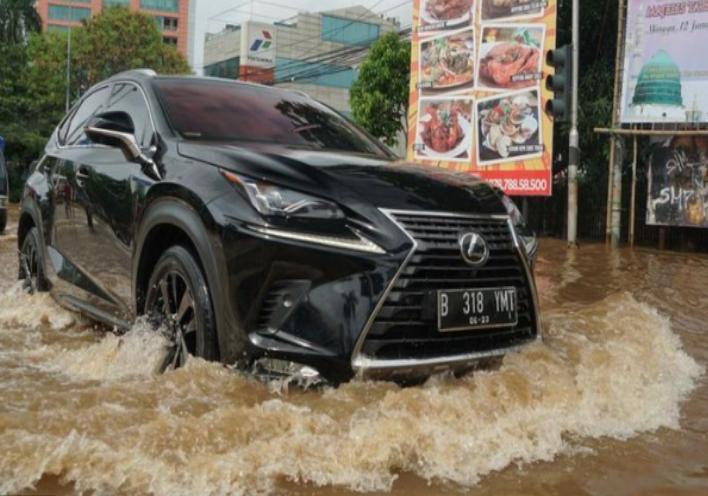 Biaya Untuk Memperbaiki Mobil Matik Yang Menjadi Korban Banjir